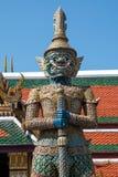 Le géant dans le temple du kaew de pha d'Emerald Buddha Wat photo libre de droits