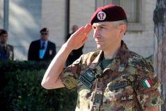 Le Général le commandant de Lorenzo D'addario de la brigade de parachute de folgore Image libre de droits