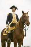 Le Général Washington regarde au-dessus de ses troupes avant la marche du camp au champ de reddition le 225th anniversaire de la  Photo stock