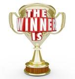 Le gagnant est récompense de trophée d'or annonçant l'interprète supérieur illustration libre de droits