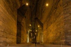 le gallerie giganti di questa miniera di sale incredibile Slănic, Romania immagine stock