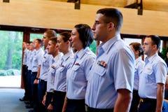 Le garde côtier reçoit un diplôme de MST   Photographie stock