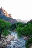 Le gardien, rivière de Vierge, Zion, soirée de soleil Photos stock