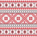 Le gente tradizionali hanno tricottato il modello rosso del ricamo dall'Ucraina Fotografia Stock Libera da Diritti