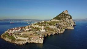 Le Gibraltar célèbre qui est territoire britannique d'outre-mer, péninsule ibérienne clips vidéos