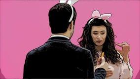 Le giovani coppie sono belle su fondo rosa Durante questo tempo, sono vestiti in orecchie della ressa Isolato su bianco in studio archivi video