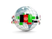 Le globe avec le drapeau de l'Afghanistan a isolé sur le blanc Photo libre de droits