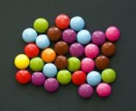 Le gocce di cioccolato Immagini Stock