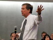 Le Gouverneur de l'Ohio John Kasich à Dayton le 16 février 2011 Image libre de droits