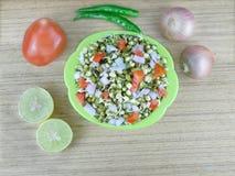 Le gramme vert pousse la salade Image libre de droits
