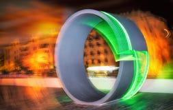 Le grand cercle au néon vert, San Pedro, Marbella Andalousie Espagne Photographie stock libre de droits