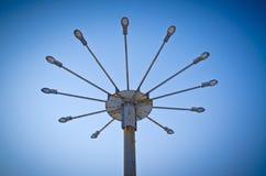 Le grand clouse de lampadaire vers le haut photos libres de droits