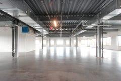 Le grand espace vide d'entrepôt Photo libre de droits