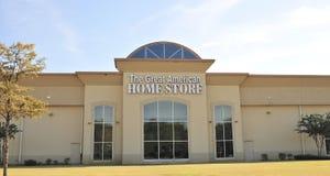 Le grand signe à la maison américain de meubles de magasin Image libre de droits