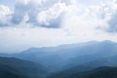 Le grandi montagne fumose Fotografia Stock Libera da Diritti