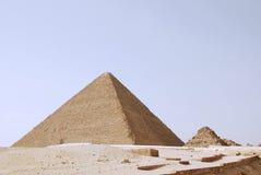 Le grandi piramidi di giza nell'Egitto Fotografia Stock
