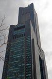 Le gratte-ciel 85 au jour nuageux Photos stock