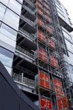 Le gratte-ciel de bureau a construit le site Image libre de droits