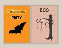 Le griffonnage tiré par la main mignon Halloween objecte la collection comprenant la batte, arbre Cartes postales de Halloween Ca Image stock