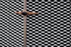 Le gril d'un vieux véhicule Photographie stock libre de droits