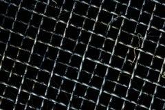 Le gril sale pour le filtre et rassemblent l'huile de moteur utilisée dans la voiture ou la moto Le pétrole noir ou les fluides d images stock