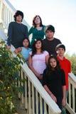 le groupe badine à l'extérieur Image stock