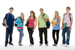 le groupe badine d'adolescent tiré par école Image libre de droits