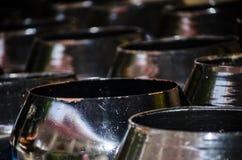 Le groupe d'aumône du ` s de moine de noir en métal roulent étroit au foyer sélectif photo libre de droits