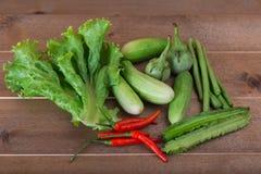 Le groupe de concombres végétaux, aubergines thaïlandaises, longs beens, Winged soit photographie stock
