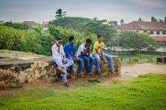 Le groupe de garçons de l'adolescence image libre de droits