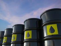 Le groupe de pétrole brut barrels avec le label jaune Images stock