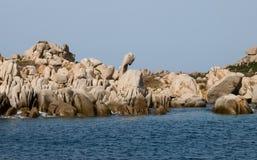 Le groupe de roches et de sorts a émergé Photographie stock