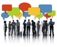 Le groupe de silhouette de gens d'affaires avec la parole bouillonne concept Photos libres de droits