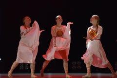 Le groupe ouvert de danse du ` s d'enfants de la danse Festival-2016 exécute slave Photos libres de droits