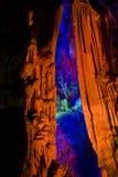 Le guangxi tubulaire de guilin de caverne de cannelure photographie stock