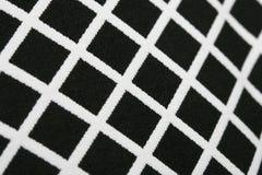 Le guingan moderne sans couture de pixel modèle la texture rythmique de fond géométrique noir et blanc Photographie stock