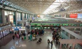 Le hall de l'enregistrement à l'aéroport de Rome Photographie stock libre de droits