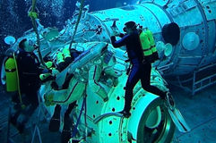 le hydrolab Michael de barratt d'astronaute nous mettent en commun Photos libres de droits