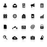 Le icone del telefono cellulare con riflettono su backgroun bianco Fotografia Stock Libera da Diritti