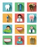 Le icone dentarie piane moderne hanno messo con effetto ombra lungo Fotografia Stock