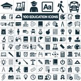 Le icone di graduazione della scuola di istruzione hanno messo su fondo bianco Fotografia Stock Libera da Diritti