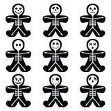 Le icone di Halloween hanno messo compreso variano i caratteri di scheletro nella forma dell'uomo di pan di zenzero Fotografia Stock
