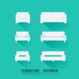 Le icone hanno messo la mobilia interna ed esteriore su fondo verde Fotografia Stock
