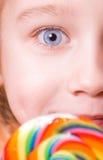 Le œil bleu parfait de petite fille Photo stock