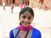Le indisk flicka Arkivbild