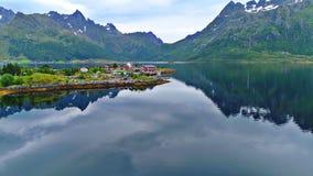Le isole di Lofoten è un arcipelago nella contea di Nordland, Norvegia fotografia stock libera da diritti