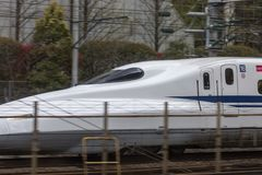 Le Japon, Tokyo, 04/12/2017 Le train à grande vitesse shinkansen photo stock