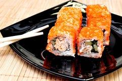 Le Japonais roule avec le caviar de masago Images libres de droits