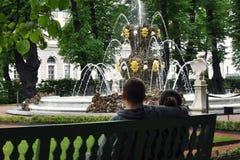 Le jardin d'été St Petersburg, Russie Photos libres de droits