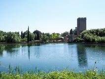 Le jardin de Ninfa en Italie photo libre de droits